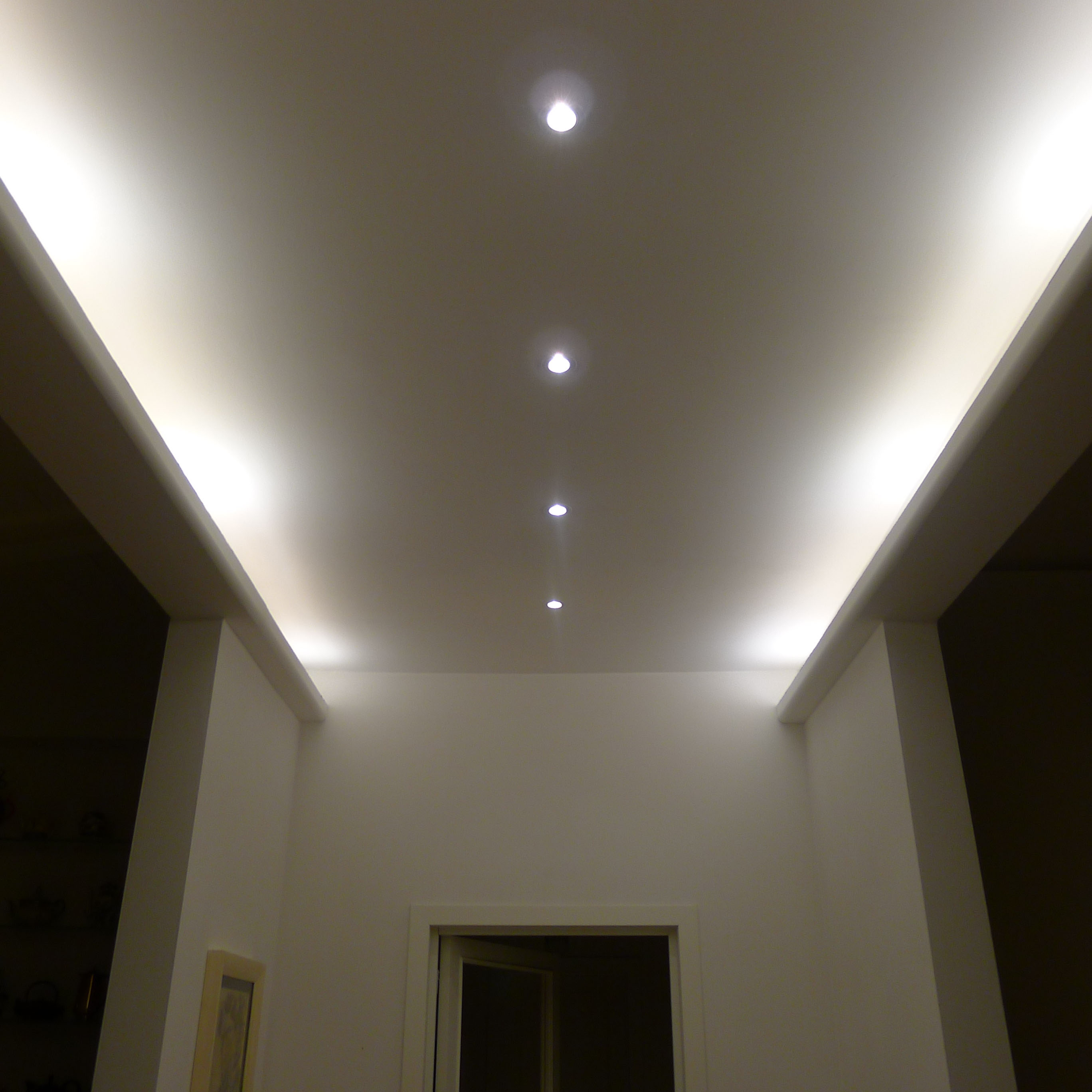 Plafoniere cucina moderni for Led controsoffitto